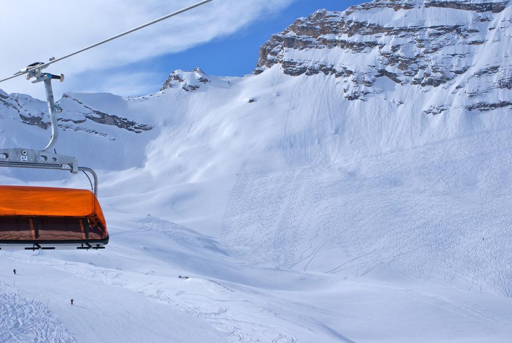 Blick vom Skilift Wetterwandeck in einen der tollen Tiefschneehänge, die man vom Skilift Weisses Tal erreicht - © Gernot Schweigkofler