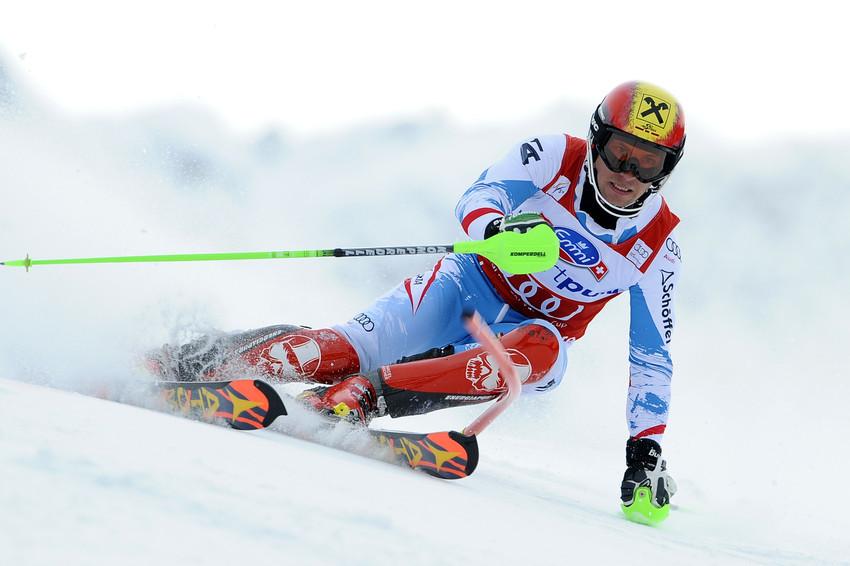 Marcel Hirscher raste in Lenzerheide wie in jedem Slalom der Saison aufs Podest - © Alain Grosclaude/AGENCE ZOOM
