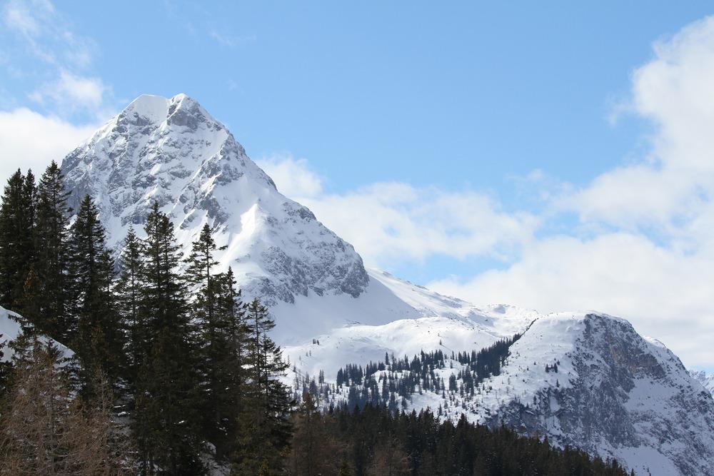 Tolle Aussichten begleiten den Skifahrer auf dem Weg durch das Gebiet Ehrwalder Alm - © Skiinfo.de