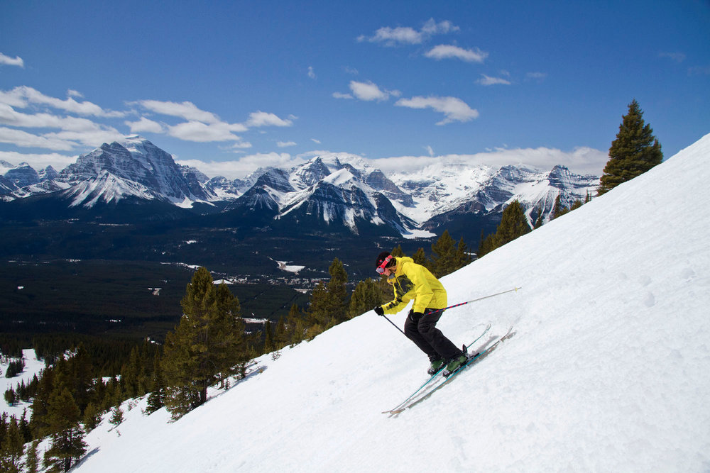 Spring skiing at Lake Louise - ©Ski Big 3