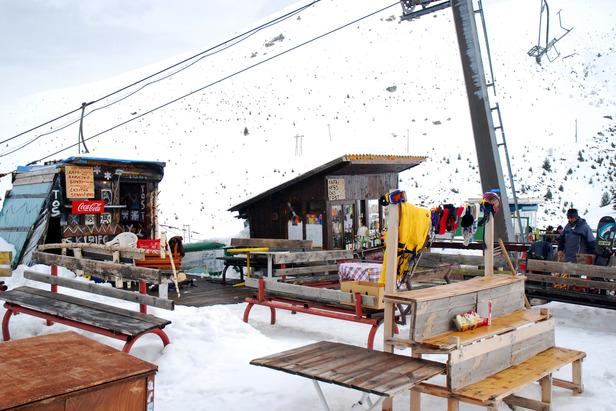 Skifahren in Brezovica (Dinarisches Gebirge) im Kosovo