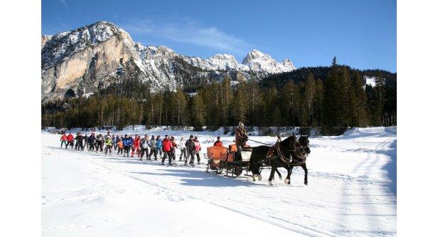 De mooiste skiliften: een ritje met de paardenlift in het Italiaanse Alta Badia.  - © Freddy Planinscheck
