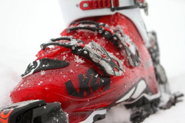 Übersommern der Skiausrüstung: Skischuhe, Stöcke und weitere Ausrüstung