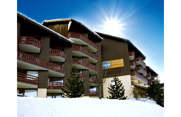 Lake Louise Busts Records- ©Central Booking Office LA PLAGNE