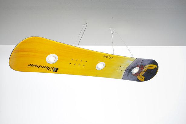 weihnachtsgeschenke f r skifahrer snowboardlampe f r. Black Bedroom Furniture Sets. Home Design Ideas