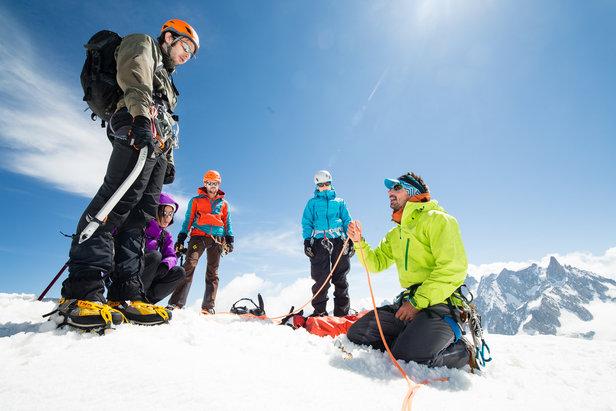 Alpinisme, escalade en haute montagne, secours en crevasse..., différents ateliers sont proposés lors de l'Arc'teryx Alpine Academy