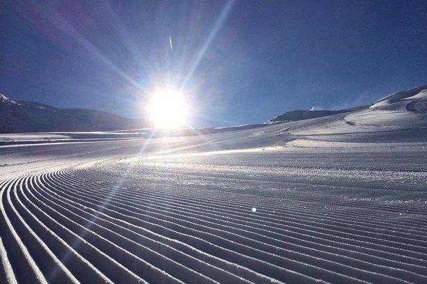 #TRENTINOSKISUNRISE: sciare all'alba in Paganella