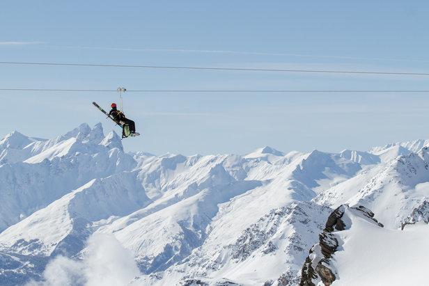 Sur la tyrolienne de Val Thorens, à 250 mètres au dessus du sol
