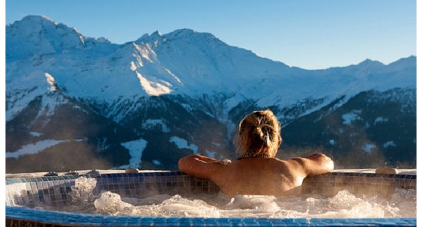 The view from the Septième Ciel hot tub, Verbier  - © Septième Ciel