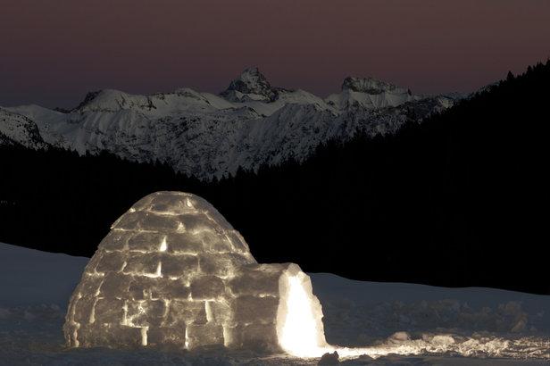 Le temps d'une évasion partagée, expérimentez une nuit en igloo, au coeur de la nature...