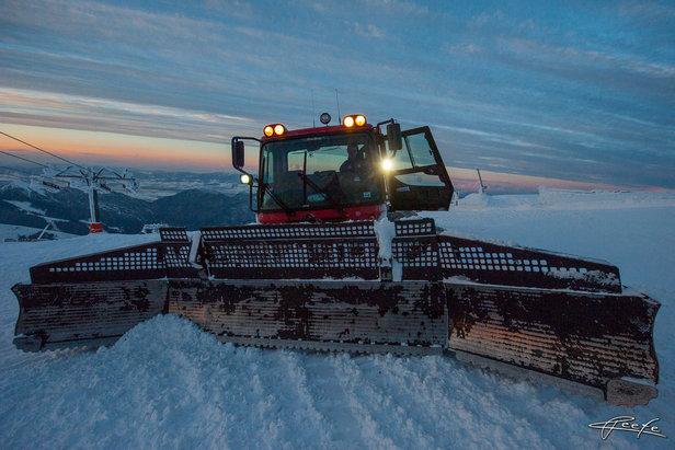 Smrť na lyžiach  Ratrak prešiel lyžiara c9734311e71