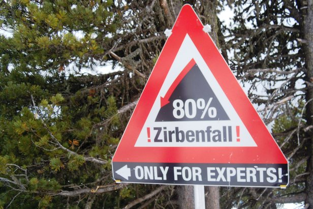 Czarna trasa Zirbenfall w ośrodku Hochzeiger w dolinie Pitztal - maksymalne nachylenie 80 proc.!   - © Skiinfo.pl/Tomasz Wojciechowski