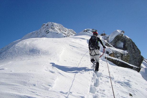 Spannendes Erlebnis: Unterwegs im Winterklettersteig bei St. Anton am Arlberg