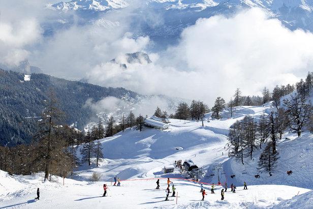 Skiing at Ovronnaz
