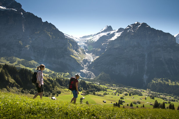 Die Jungfrau Region: Vom Berggipfel bis ins Tal – eine Abfahrt voller Höhepunkte - ©Jungfrau Region | Mattias Nutt