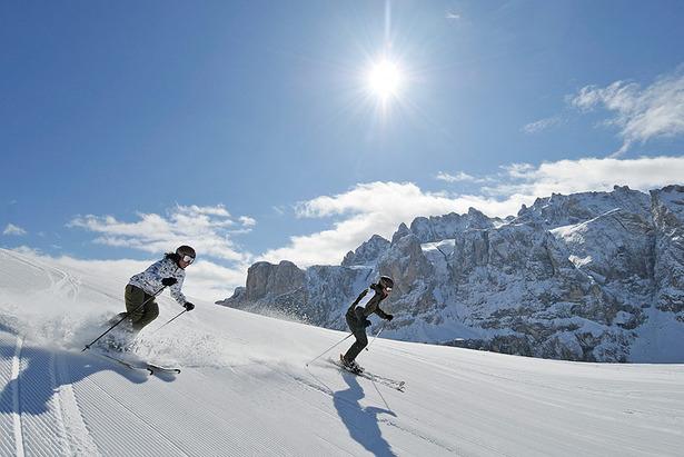 Bei uns ist die Skiwelt super spektakulär: 1.200 Pistenkilometer liegen Ihnen zu Füßen