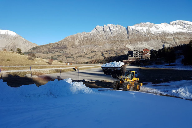 A Superdevoluy, la production de neige de culture permet d'envisager l'ouverture de quelques pistes...