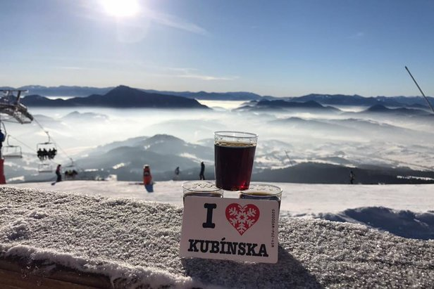 Od 13.3.2017 Jarná lyžovačka za výhodnejšie ceny!- ©facebook SKI PARK Kubínska hoľa