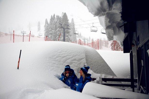 Snehové správy  Hory znovu zasypal sneh 6ac75895ea4