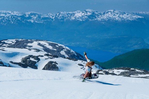 Nyt vårværet med ski på bena- ©Daniel Tengs