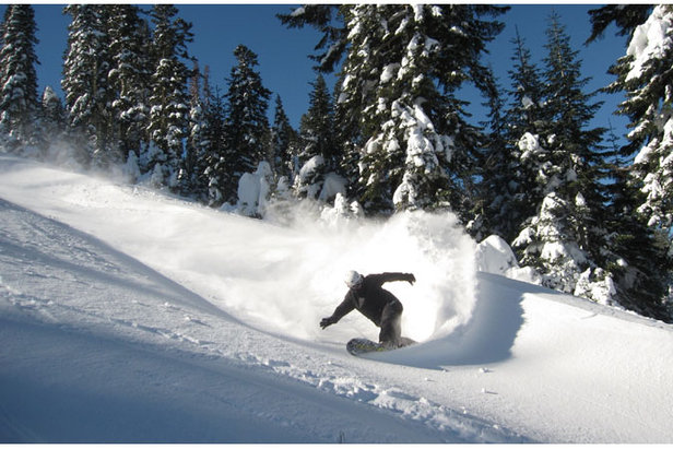 Powder turns at Alpine Meadows  - © Alpine Meadows