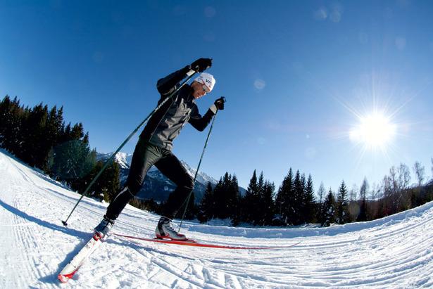 Leutascher Winterzauber: Gelungene Symbiose aus Sport und Kultur beim Langlauf Opening