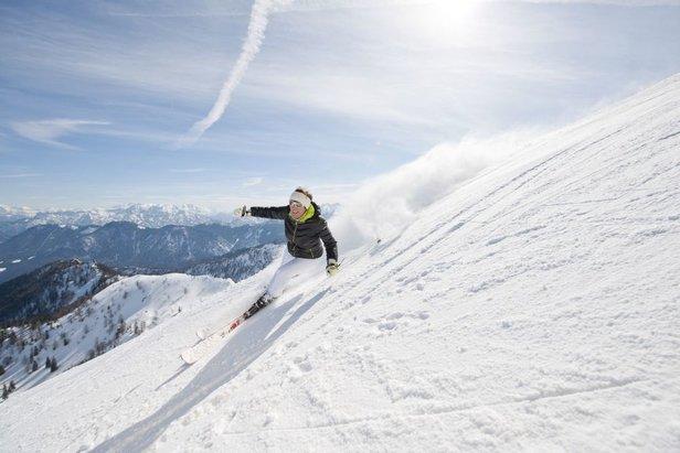 Rasante Abfahrt im Skigebiet Hochfelln