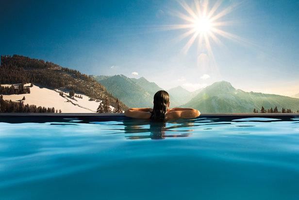 Traumhafter Pool im Panorama Hotel Oberjoch