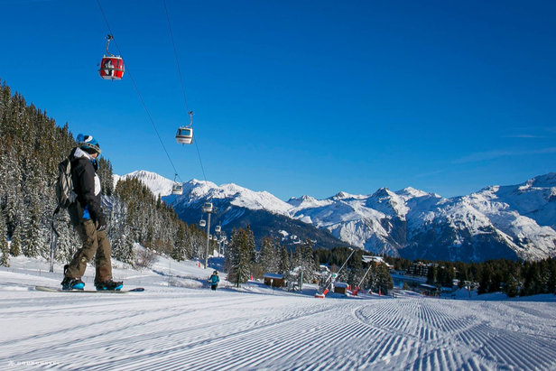 Plenty of intermediate runs in Courchevel  - © Courchevel Tourisme
