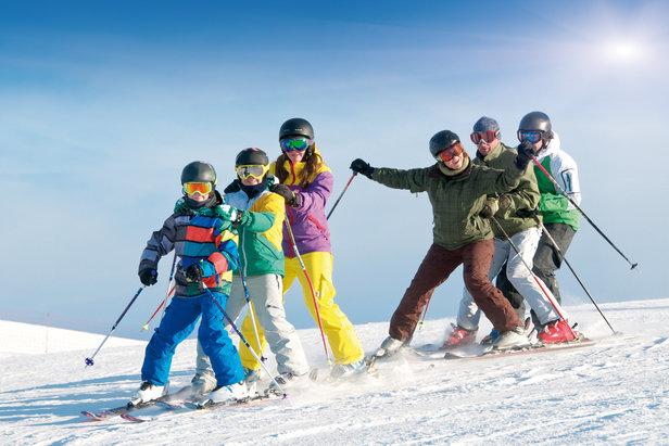 Mit Schwung auf die Piste: Skifahren in Bayern für die ganze Familie- ©Bayern Tourismus