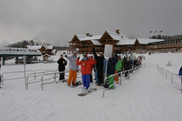 North American Ski Areas Now Opening 'En Masse'