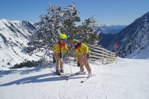Déguisement de rigeur pour fêter Carnaval comme il se doit sur les pistes de ski de Baqueira Beret