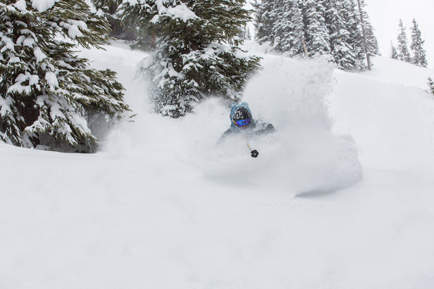 2018/2019 Early Bird Season Pass Prices: Rocky Mountains ©Taylor Ahearn
