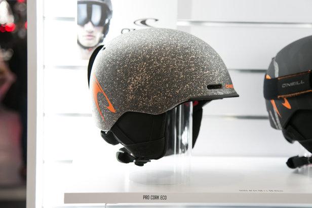 512fa4b62db Udržitelný rozvoj  O Neill už delá i lyžařské helmy
