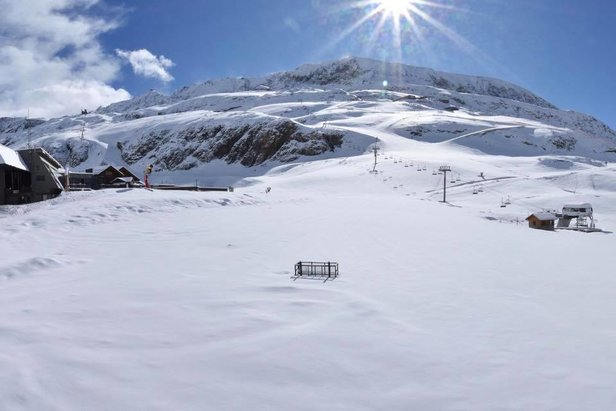 PHOTOS - Un 14 mai sous la neige ©Facebook @alpe.huez