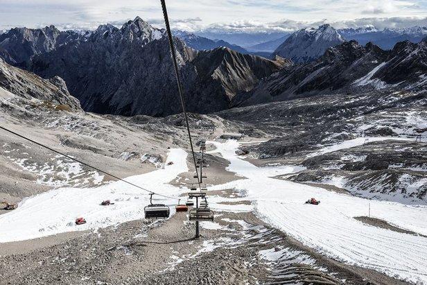 Zu warm, zu föhnig: Saisonstart auf der Zugspitze vorerst verschoben ©Bayerische Zugspitzbahn AG