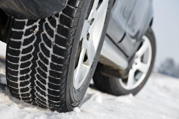 Les pneus neige bientôt obligatoires en hiver- ©© Kadmy - Fotolia.com
