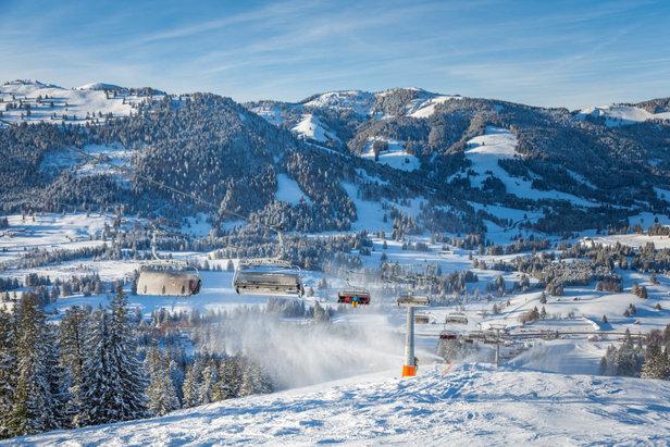 Saisonstart im Skigebiet Oberjoch und in Bad Hindelang- © Bergbahnen Hindelang-Oberjoch