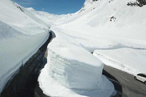 Bilder: Schneeräumung am Timmelsjoch im ÖtztalÖtztal Tourismus