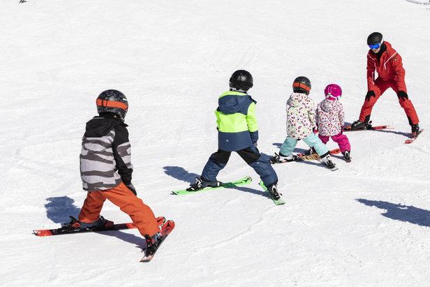 Longer ski courses generally offer better value for money  - © CheckYeti/Roland Haschka