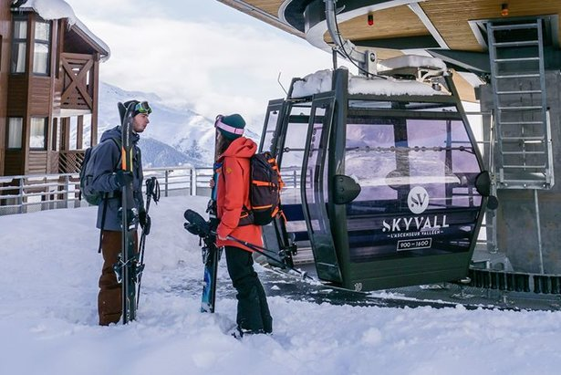 L'heure des vacances d'hiver a sonné. Direction Peyragudes et ses pistes de ski via Skyvall, la toute nouvelle télécabine...