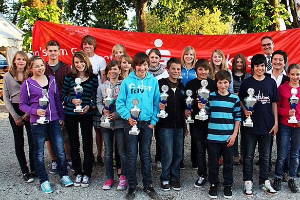 Inngau-Sparkassen-Cup alpin 2010/2011: Gesamtsieger geehrt- ©Petra Rapp