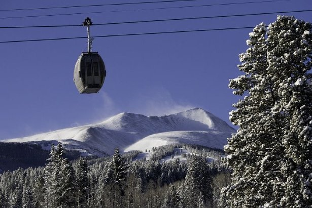 A gondola takes passengers to the top of Breckenridge, Colorado  - © Breckenridge