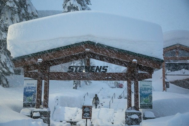 "Stevens Pass at 7:10 am. 39"" at the base and up to 5 feet up top."