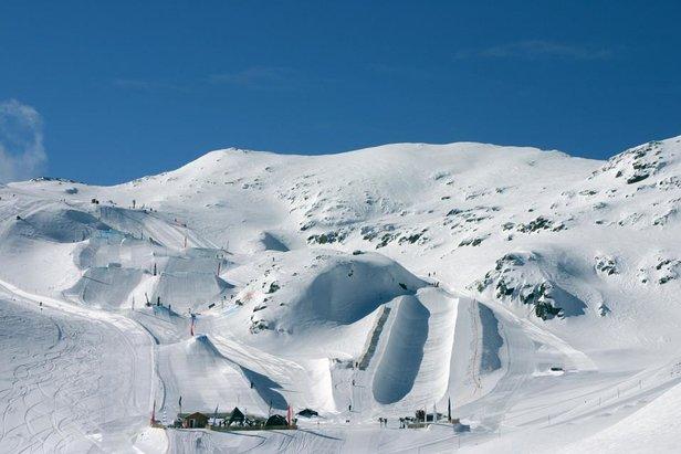 Frische Schneedecke auf den Pisten, Les 2 Alpes, Frankreich