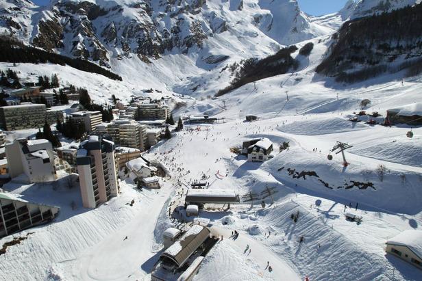 Vue sur le domaine skiable de Gourette