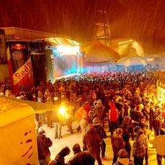 Veľkolepé party na oslavu začiatku lyžiarskej sezóny: Hviezdna účasť, veľa tanečnej hudby