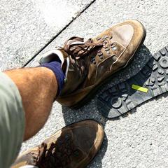 Ein Wanderschuh muss was aushalten können - © flickR
