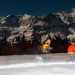 Nächtliches Schneeschuhwandern vor Eiger, Mönch und Jungfrau - ©Iris Kürschner
