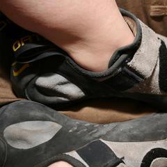 Kletterschuhe sind meist eine stinkende Angelegenheit - © flickR_mellyjean